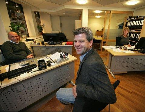 Stig Rodal, Eirik Reinnel  og  Gunn Rodal får nye kolleger når Privatmegleren og Aktiv eiendomsmegling slår seg sammen.