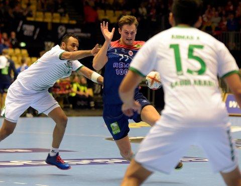 HØY KLASSE: Det Magnus Abelvik Rød har levert i de siste kampene har vært av høy klasse. I semifinalen ble det syv mål på ti forsøk.