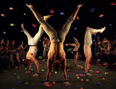 AKROBATIKK: Gravity & Other Myths: A Simple Space er en fartsfylt opplevelse for publikum.