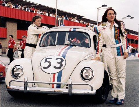 FILMKJENDIS: Herbie i familiefilmen «Herbie – full tank» i 2005, sammen med Lindsey Lohan og Breckin Meyer.
