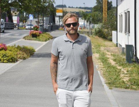 Fredrick Haugen kom seg heldigvis ut av spilleavhengigheten, og skal nå starte å jobbe med noe som er et samfunnsproblem. Foto: Petter Sand