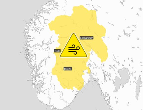 FAREVARSEL: Meteorologisk institutt har sendt ut farevarsel, og melder at det lørdag kan bli kraftig vind i områdene merket gult.