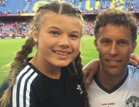 I FARS FOTSPOR: Lykke Johnsen-Mørken (15) spiller på Sandefjord Fotball og er nå tatt ut på det norske J16-landslaget. Hun har en drøm om å leve av fotballen slik pappa Ronny Johnsen gjorde.