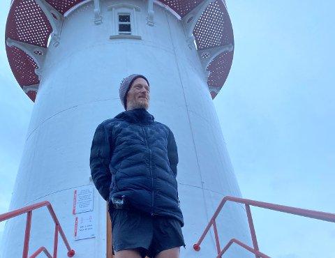 I MÅL: Simen Holvik nådde Lindesnes i går kveld, etter 26 dager på tur og 255 mil tilbakelagt.