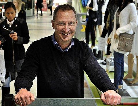 STØRST:  Jørgen Næs er senterleder  på Amfi Borg. Han gleder seg over at kjøpesenteret fortsetter å vokse.