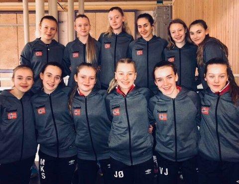 Her er bildet av jentene fra Norden Cup i Göteborg.