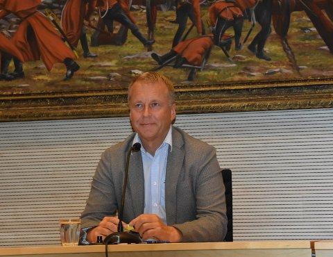 MÅ VENTE: Saxe Frøshaug sier elsparkesykler i Askim skal etableres i ordnende former.