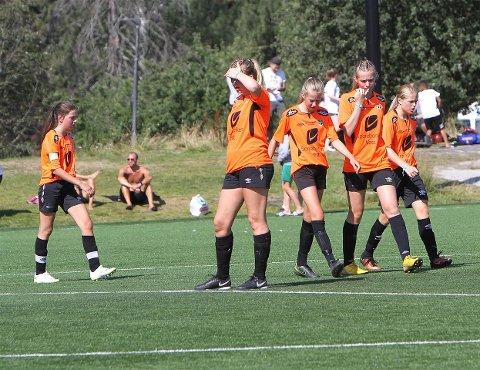 SMILTE FOR SØLV: Sogndal sine 14-åringar fekk sølvmedalje i B-sluttspelet i årets Norway Cup etter 2-0-tap for Nittedal fredag.