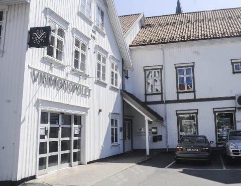 Vinmonopolet i Tvedestrand: Salget av øl, vin og brennvin økte med rundt 2.000 liter i fjor. Tvedestrand befester sin posisjon som det tredje største utsalget i tidligere Aust-Agder. Arkivfoto