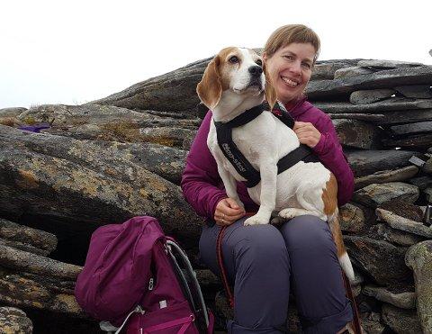 Marit Sand Knutsen (50) er ivrig turgåer. Her fra Kvalhornet under fjorårets ti på topp.