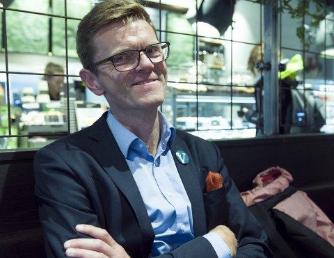 SEIERSSIKKER: Jeg tror valget går bedre enn bra, sier Terje Breivik fra Ulvik. 52-åringen er nestleder i Venstre og finanspolitisk talsmann. Han tror ikke han blir finansminister i Blågrønn regjering. FOTO: MAGNE TURØY