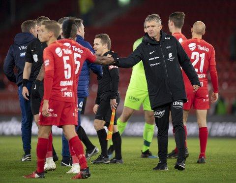 Lars Arne Nilsen, her etter kampen søndag, er ikke fornøyd med det Bamba har vist på trening.
