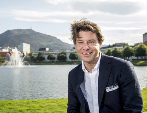 Erik Kubon Halvorsen ble et kjent ansikt i Bergen i forbindelse med sykkel-VM i 2017. Etterpå ble det stille, men nå har han fått jobben som daglig leder i Vestlands største svømmeklubb.