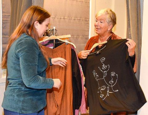 STILLER OPP: Under moteshowet Kjersti Eriksen arrangerer torsdag 28. oktober stiller Lise Konningen opp som modell.