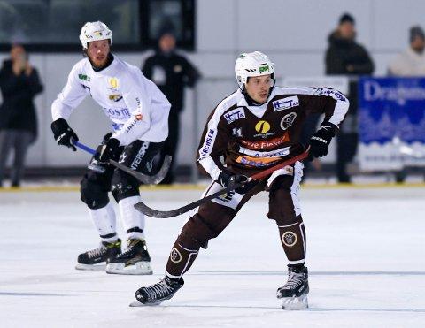 VANT: Robin Cras og MIF slo Ullevål, mens broren Alexander Cras (bak) og SSK vant over Høvik borte..