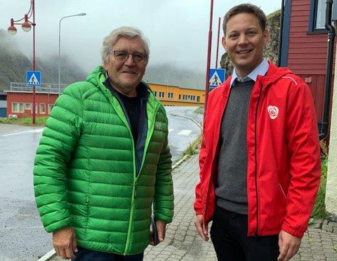 Bernt-Aksel Jensen og Sigurd Kvammen Rafaelsen (begge AP) er i Nordkapp i dag for å snakke med folk og besøke bedrifter og Nordkapp VGS og Fagskolen.