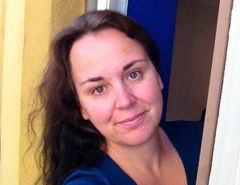 FOR LITE KUNNSKAP: Hilde Langevann i Hjelpekilden seier at kunnskapen i det offentlege om religiøse brotprosessar ikkje er god nok.