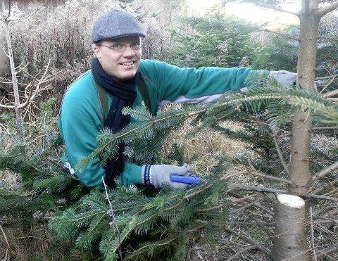 Utsolgt: Ulf Andersen og Kråkerøy Idrettslag har solgt ut 420 trær tre dager før julaften.