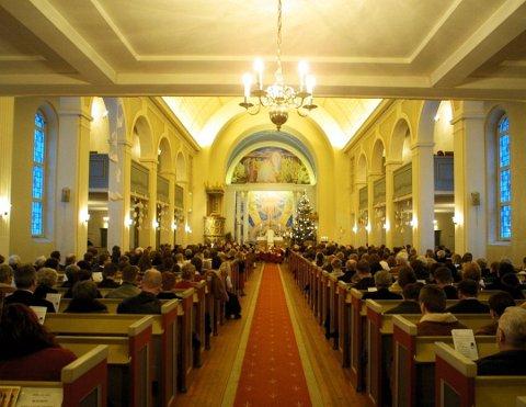 Det er en økning i antall besøkende i kirkene i Fredrikstad på julaften.