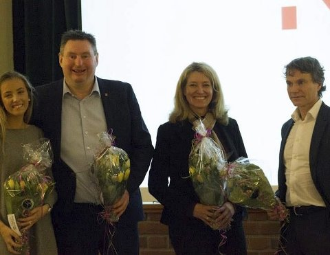 HOLDT KONTROLL: Sophie Mulryan Jakobsen var ordstyrer under Økonomiens dag der ordfører Rune Edvardsen, tidligere Natech-direktør Tone Lindberg og Nordkraft-direktør Eirik Frantzen holdt foredrag.