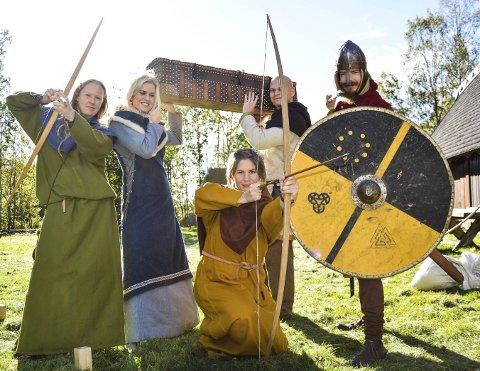 Høstferiemoro: Kari Marie Helland, Anne Doksrød, Christina Leverkus, Jardar Nygård og Fredrik Bjønnes er klare til å forsvare skattekista fra hordene som ventes å komme.