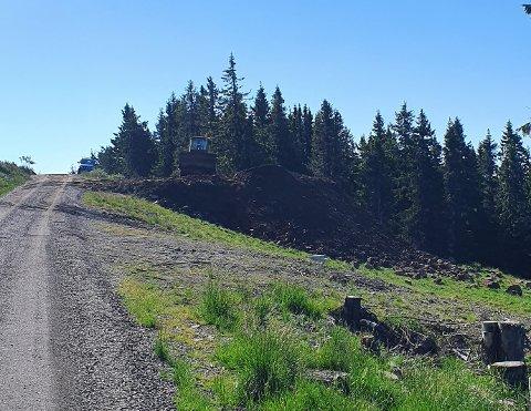 Øyer kommune reagerte på denne massedeponeringen ved alpinbakken i Hafjell.