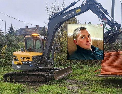 Kostbart tyveri: Sigmund Kasin, som driver BTG i Kongsberg, ble frastjålet en gravemaskin forrige helg. At politiet allerede nå foreslår at saken henlegges, synes han er overraskende.