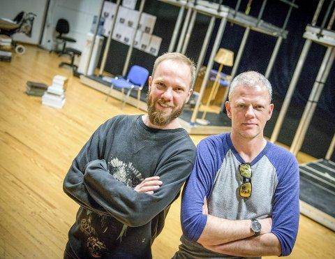 MUSIKAL: Tomas Adrian Glans (tv) er sammen med Are Kalvø om «Halve kongeriket». Oppsetningen på Det Norske Teatret kan bli høstens store musikalsuksess. Kalvø kommer med en egen forestilling til Halden i kultursalen i mars.