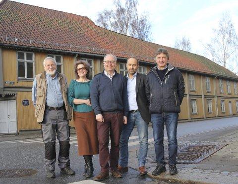 Vil restaurere på sikt: Denne gjengen håper på sikt å restaurere Konservativen. På bildet: Hans Kristian Mjølnerød, Marte Klanderud, Jens Bakke, Stein Wilhelmsen og Andreas Ebeltoft.Alle foto: Joachim C. Høier