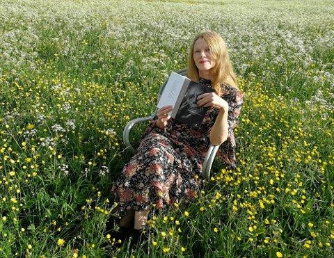 OVERTAR: Elin Tinholt blir daglig leder for Nordisk poesifestival - Rolf Jacobsen-dagene.