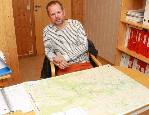 Mange søknader: Jordbrukssjef Torgar Eggen legger til rette for skuterkjøring i Grane, og forklarer at det er klare regler som ligger til grunn.