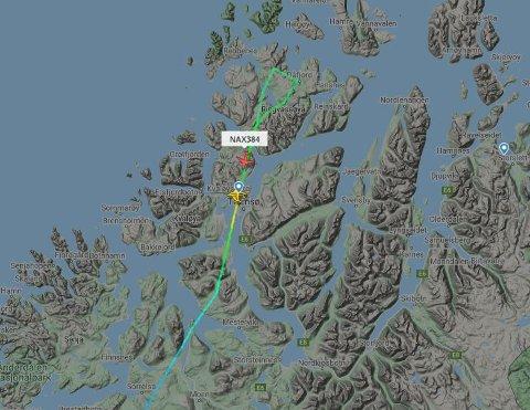 RUNDE: Flyet tok en runde nordover før det gikk inn for landing på nytt.