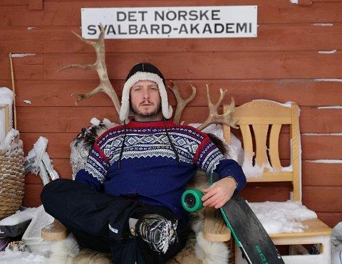 PÅ RULLEBRETT: Om få dager legger Andreas Wærstad Nielsen fra Kragerø ut på sitt livs mest utfordrende ekspedisjon. (Foto: privat)