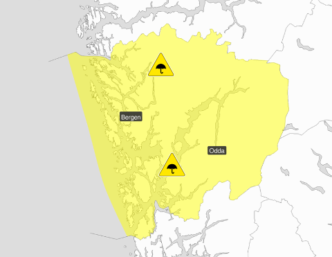 VARSEL: Meteorologisk institutt varslar om gult farenivå og kraftige regnbyer over store delar av Vestlandet. (Kart: Meteorologisk Institutt).
