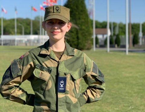 I TJENESTE: Emilie Kristoffersen fra Kongsberg har tilbrakt førstegangstjenesten med å jobbe for NATO i Belgia.