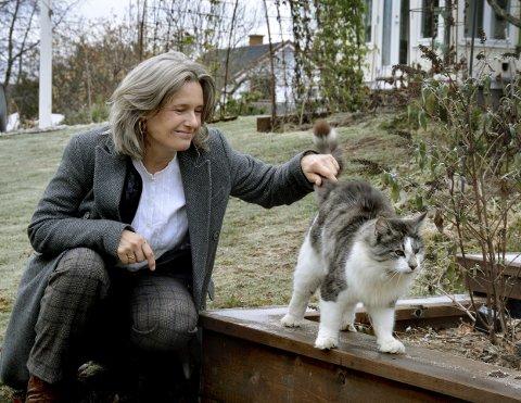 Katteeier: Truls er husets bortskjemte enebarn, men gjør også en viktig jobb på småbruket, konstaterer Ingrid Bjørnov.