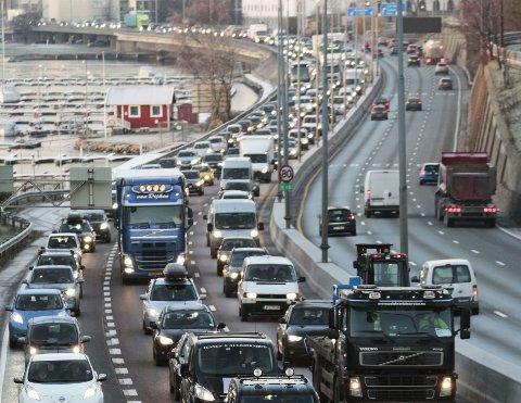Drøyt 8.000 biler hjemmehørende i Oslo tok sin aller siste kjøretur i fjor, og ble deretter vraket mot pant. Foto: Scanpix.