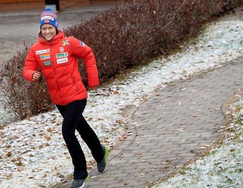 SIKTER MOT VM: Ane Appelkvist Stenseth er norsk seiershåp i Ruka fredag. Men langt der framme er VM hovedmålet. Med tidenes mestvinnende sprinter som trener er målet å bli en vinnerkandidat der. FOTO: BJØRN TORE NESS