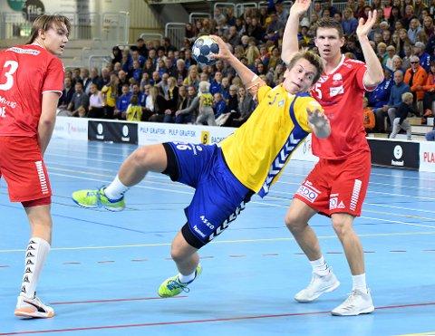 STERK: Axel Strupstad var bra på streken med tre mål på fire skudd.