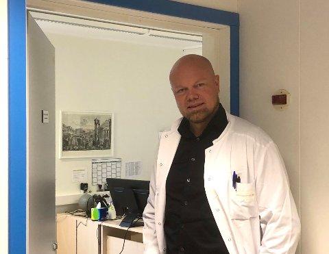 HAR KONTROLL: Hans-Olav Holtermann Eriksen er kommuneoverlege i Balsfjord, Lyngen og Storfjord.