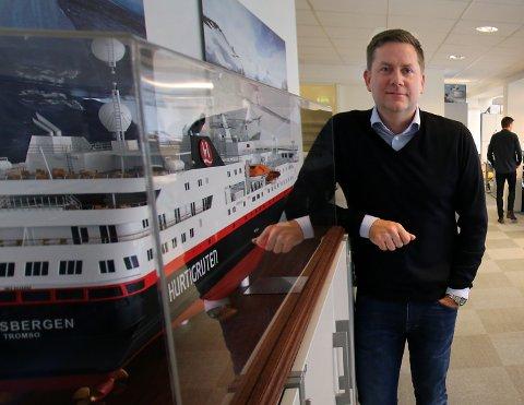 DELES OPP: Konsernsjef Daniel Skjeldam deler opp Hurtigruten i to enheter. Den ene skal betjene kysten, den andre skal ut i verden.