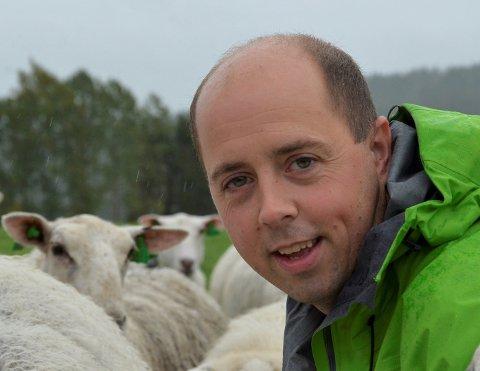 SKUFFET: Bonden Thomas Pettersen er skuffet over Stortingets manglende engasjement for landbruk i årets statsbudsjett. Foto: Privat