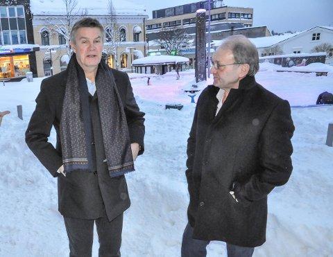 UENIGE: Ordfører Erik Bringedal og Frps gruppeleder Per Manvik er rykende uenig om hva en politiker kan tillate seg av kontakt med administrasjonen i Larvik kommune.