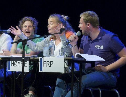 Bilde fra skoledebatten på Hønefoss vgs.