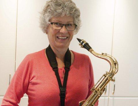God MATCH: Hege Kvernberg Dahl og den gamle tenorsaksofonen liker hverandre.