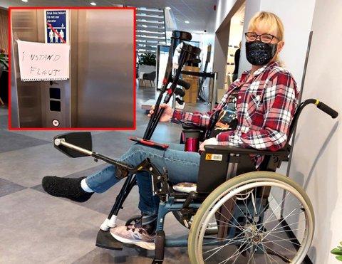 MÅTTE KRABBE: Cecilie Bårli måtte krabbe opp trappa til helsesenteret. Nå er hun bekymret for de eldre som har enda større utfordringer med å komme seg til legen mens heisen er i ustand.