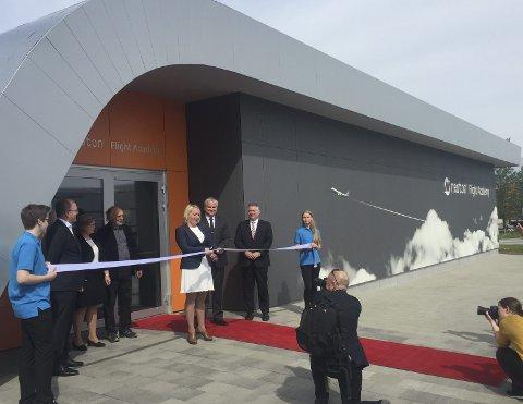 Høytidelig åpning: Det finnes 34 såkalte Newton-rom i landet. Det nyeste ble åpnet sist fredag, og ligger på Bodø Lufthavn. Et slikt ønsker man seg til Torp også. Foto: Privat