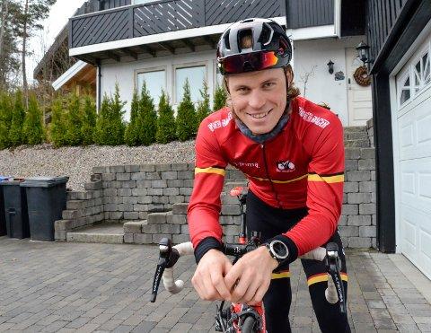 GLEDER SEG TIL NM: Marius Blålid (25) ser fram til sommerens store høydepunkt i hjembyen Sandefjord. Nemlig sykkel-NM i juni. – Det blir kult å sykle NM på hjemmebane, sier han.