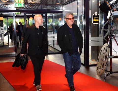 Bent Hamer (t.h) kom til premieren på Hjertnes sammen med forfatter Lars Saabye Christensen.