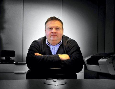 600: Sarpsborg 08 og styreleder Hans Petter Arnesen, vil ikke amputere den etterlengtede sesongdebuten mer enn høyst nødvendig.